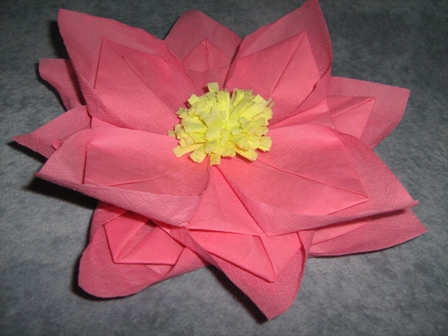 Салфетка оригами лотос