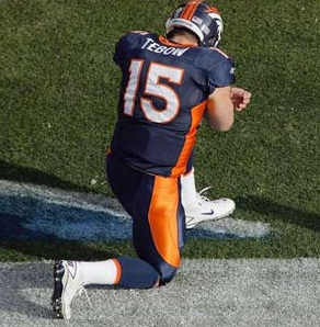 Tim Tebow, prayer, kneeling, Broncos, Denver, Tebowing