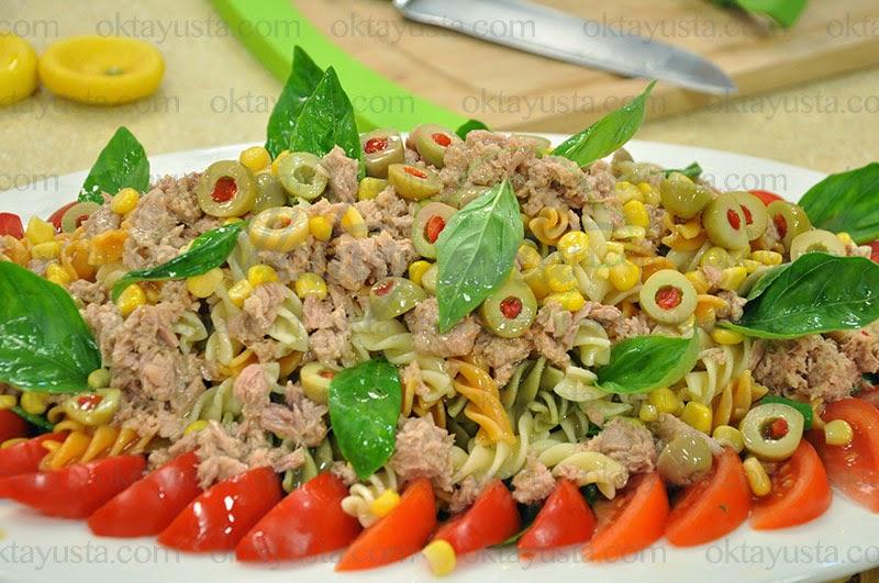 Makarnalı Ton Balık Salatası Tarifi