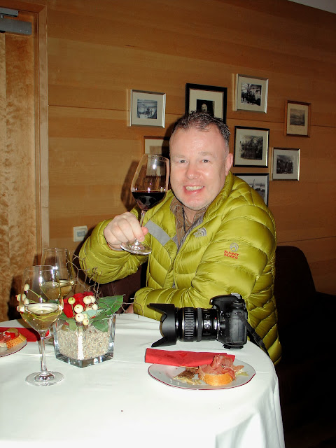 Iain of Mallory on Travel enjoying a glass of wine at the Winzer Krems Winery in Dürnstein, Austria.