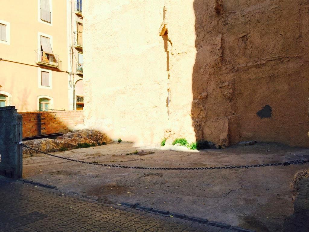 el solar d'on havia estat la recaptació executiva del ajuntament, Rambla Vella 55