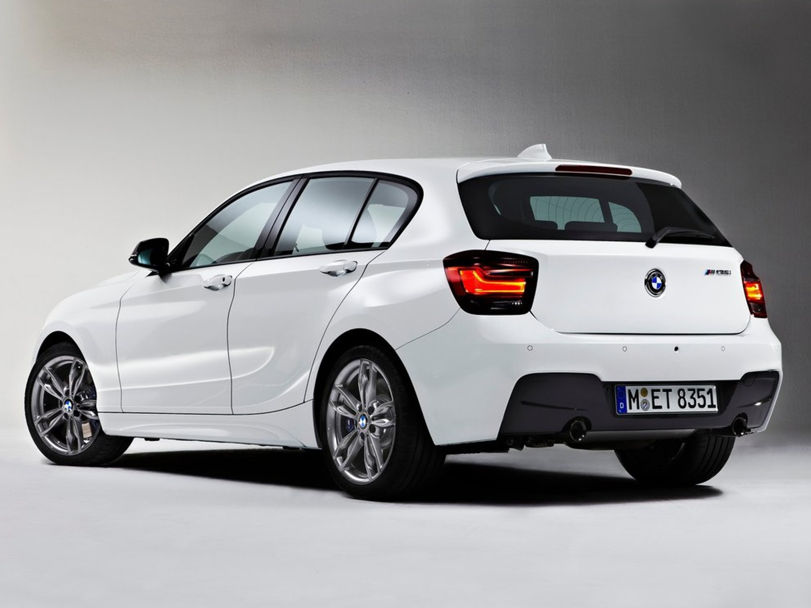 2013 bmw m135i top cars. Black Bedroom Furniture Sets. Home Design Ideas