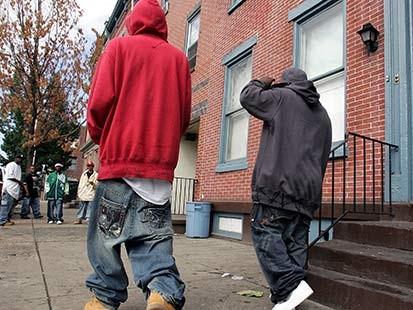unnatractive baggy pants