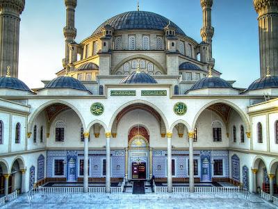 masjid-nizamiye-afrika-selatan-tampak-dari-dalam-darussalam-oku-selatan