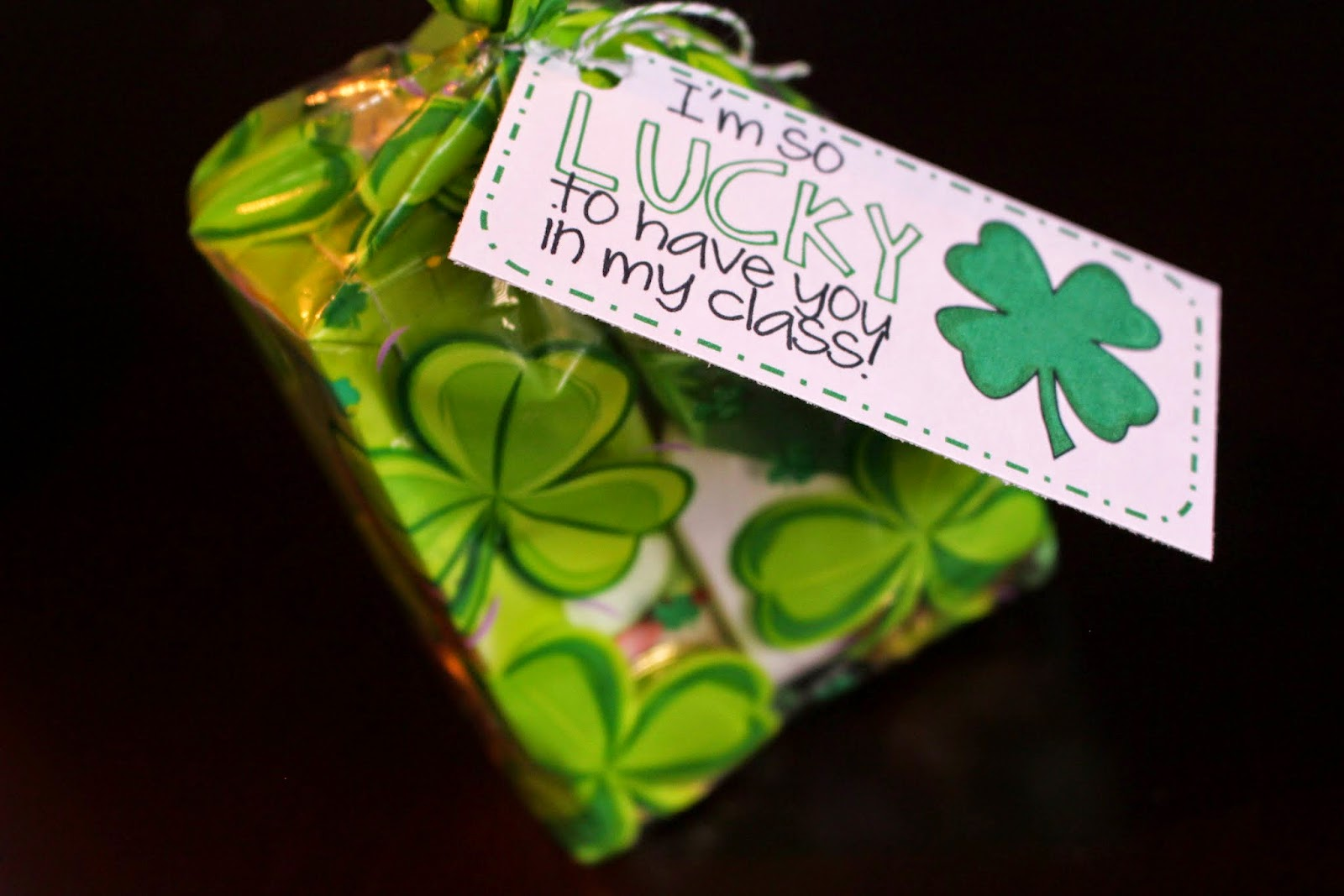 St Patrick's Day treat bags idea - Pinterest - Mehaffey Moments