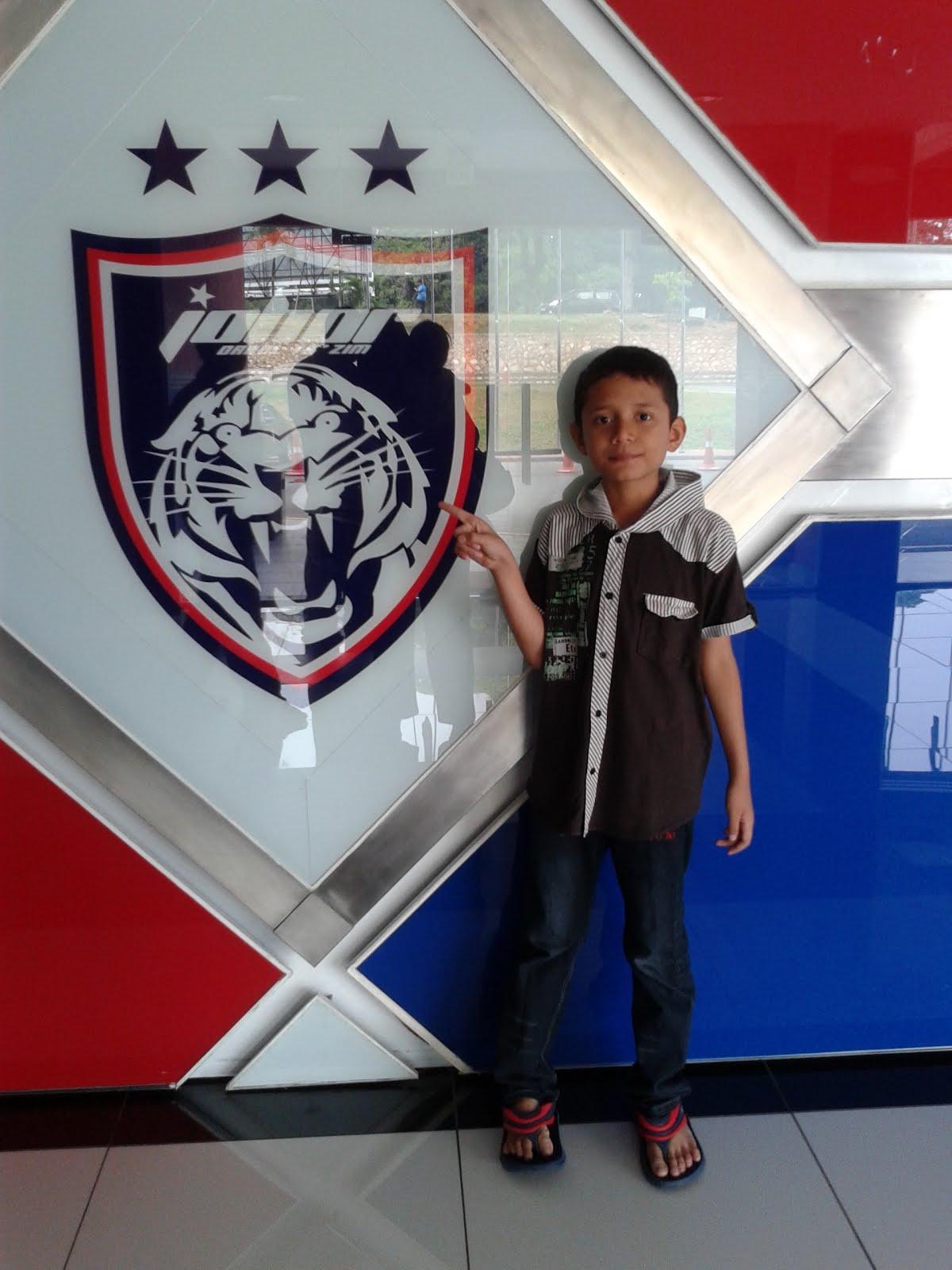 Putera tengah..... Azim