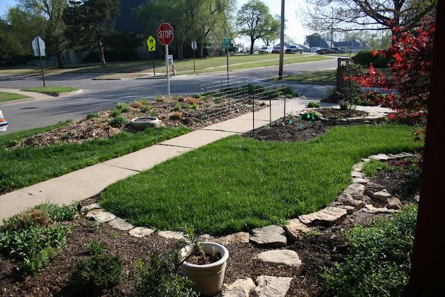 Gardening with greggo field stone edging diy for Diy landscape edging