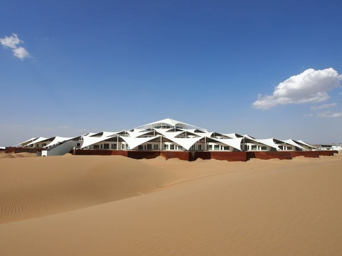 A Hotel Built In The Middle Of A Desert That 'Floats' On The Sand