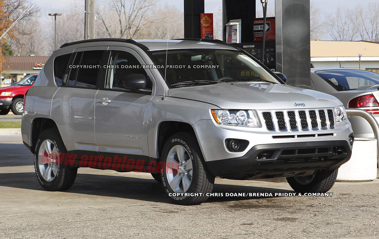Although the 2012 jeep compass has a nice interior than its predecessor the 2012 jeep compass is in her makeover on the interior is simple but the 2012