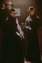 Richard O'Brien Dark City 1998 movieloversreviews.blogspot.com