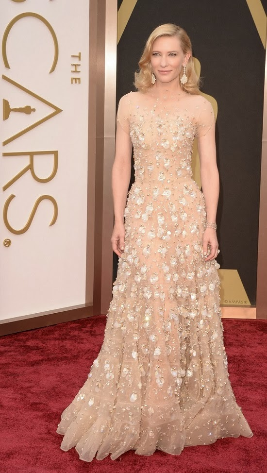 Cate Blanchett in Armani gown at Oscars 2014 red carpet