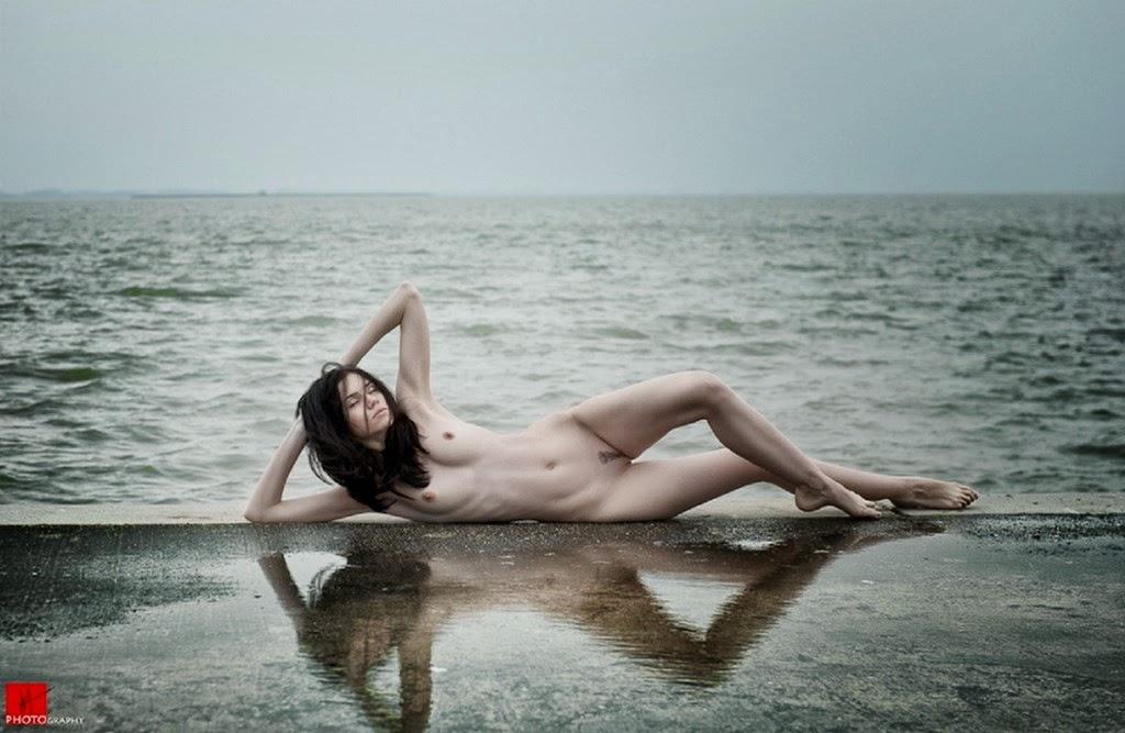 fotografia-artistica-con-mujer-en-la-playa
