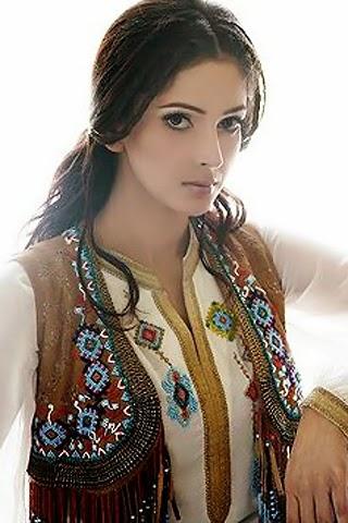 Saba Qamar Hot Private Exposing Video Leaked