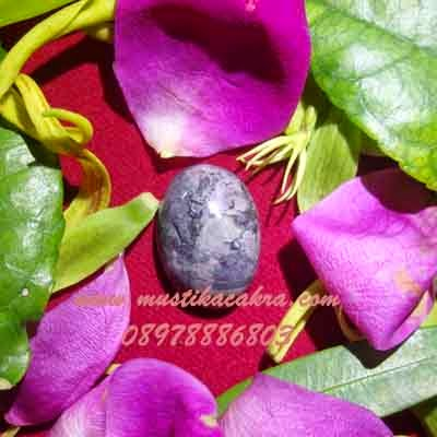 Batu Bertuah, Benda Pusaka, Mustika Asli, Mustika Jarak Temanten