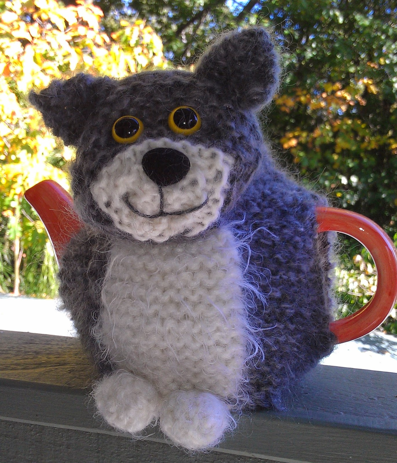 Free Patterns For Loom Knitting : Craft a cure for cancer free tea cosy patterns: Oliver Cat tea cosy