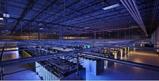 Innenansicht einer Server Farm in Iowa