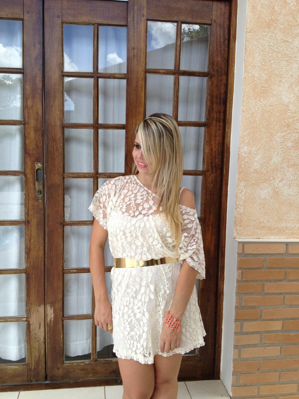 Looks com vestido de renda com cinto