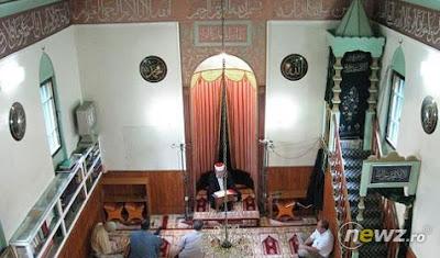 interior moschee eroii revolutiei
