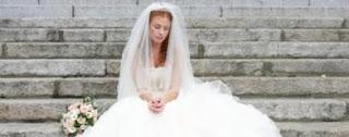 Wanita Ini Menikah Dengan Mayat
