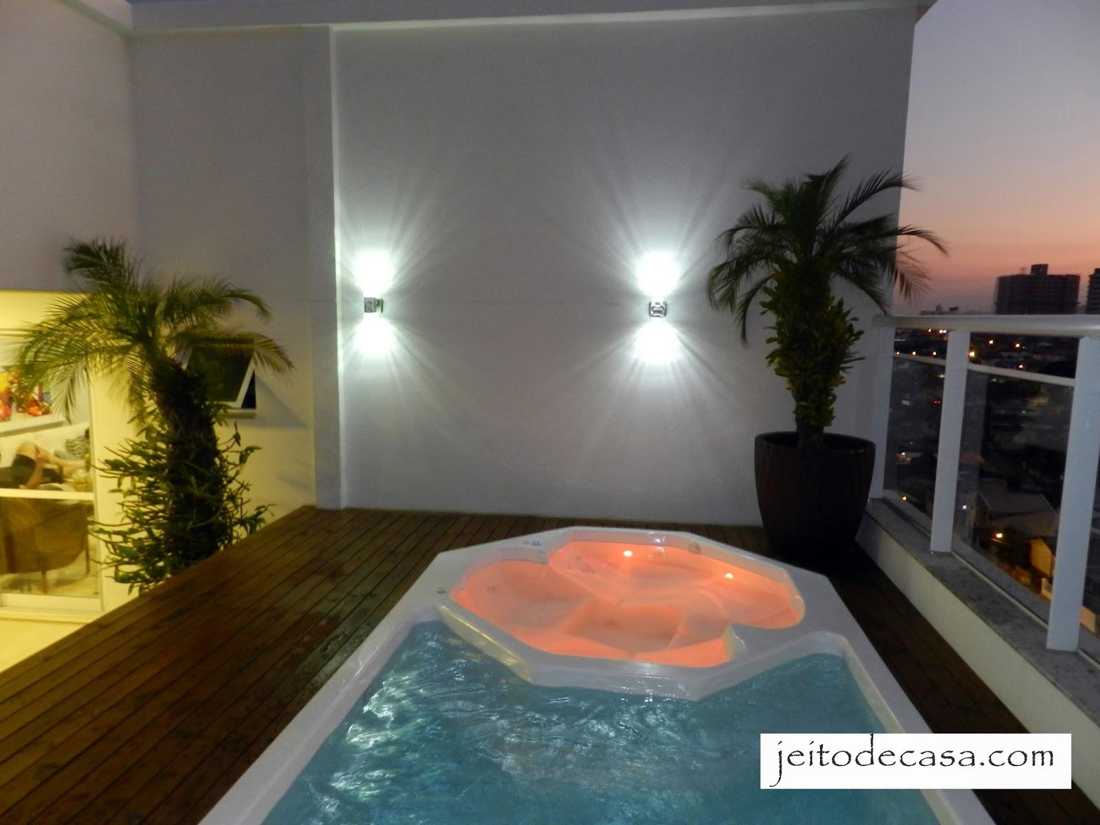 Rea externa cobertura jeito de casa blog de decora o for Luminarias para piscinas