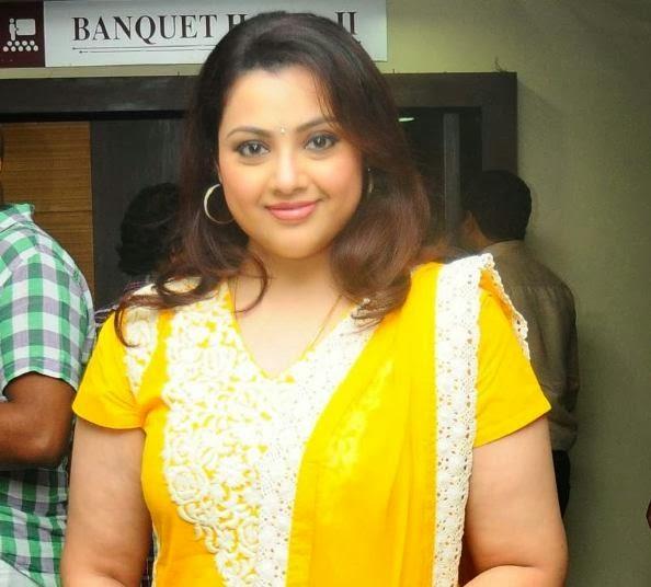 Meena Actress Latest Photos Stills Gallery in Balyakalasakhi Malayalam ...