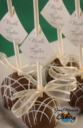 Jean Marie\'s Cakery: Elegant Flat Top Cake Pops are great for Weddings!