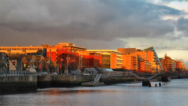 Dublin city © Annie Japaud 2013, photography, sunset, walking, tourist, view, the river