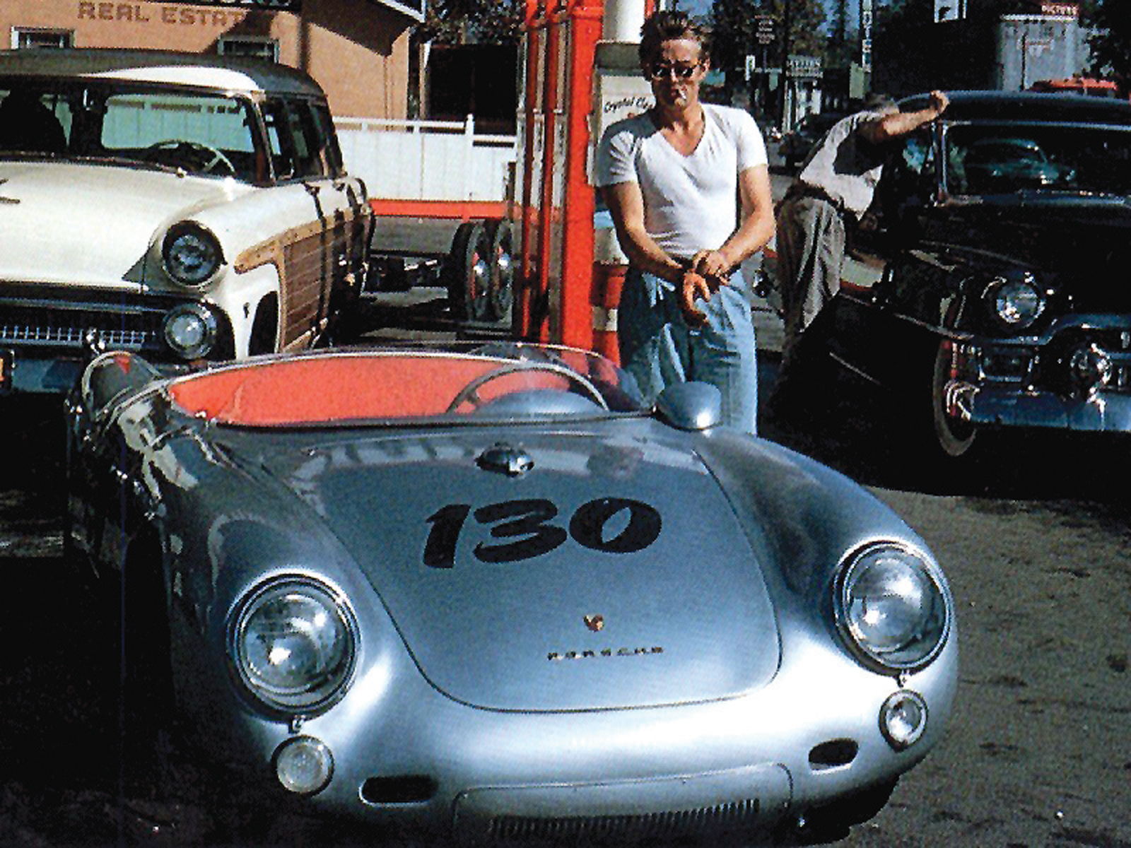 http://2.bp.blogspot.com/-S4NovPWSs_Q/TvTlwXKGviI/AAAAAAAADy0/_xudSVzlv1g/s1600/Porsche-1.jpg