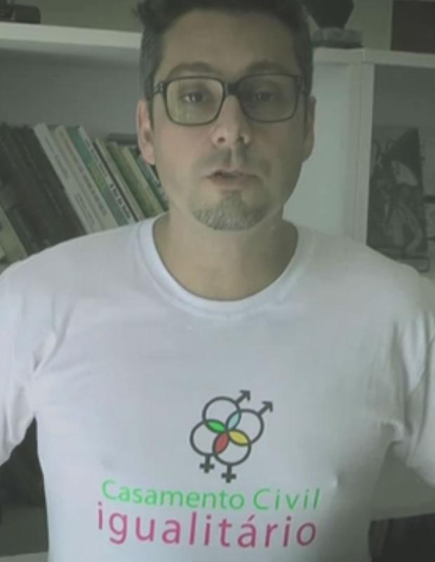 Alexandre Nero em apoio a campanha do casamento civil igualitário (Foto: Reprodução/YouTube)