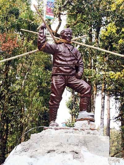 Tenzing Norgay Sherpa statue shift