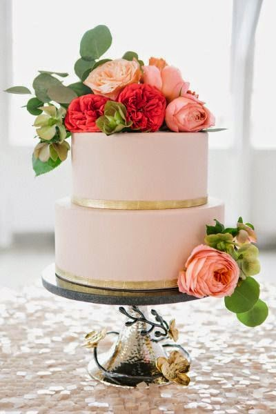 pink and peach wedding cake