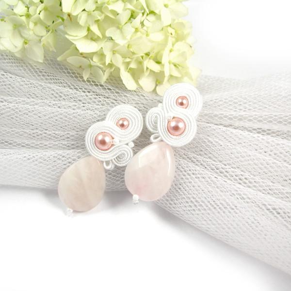 """Różowe kolczyki ślubne z perłami """"Lady Stuart""""."""