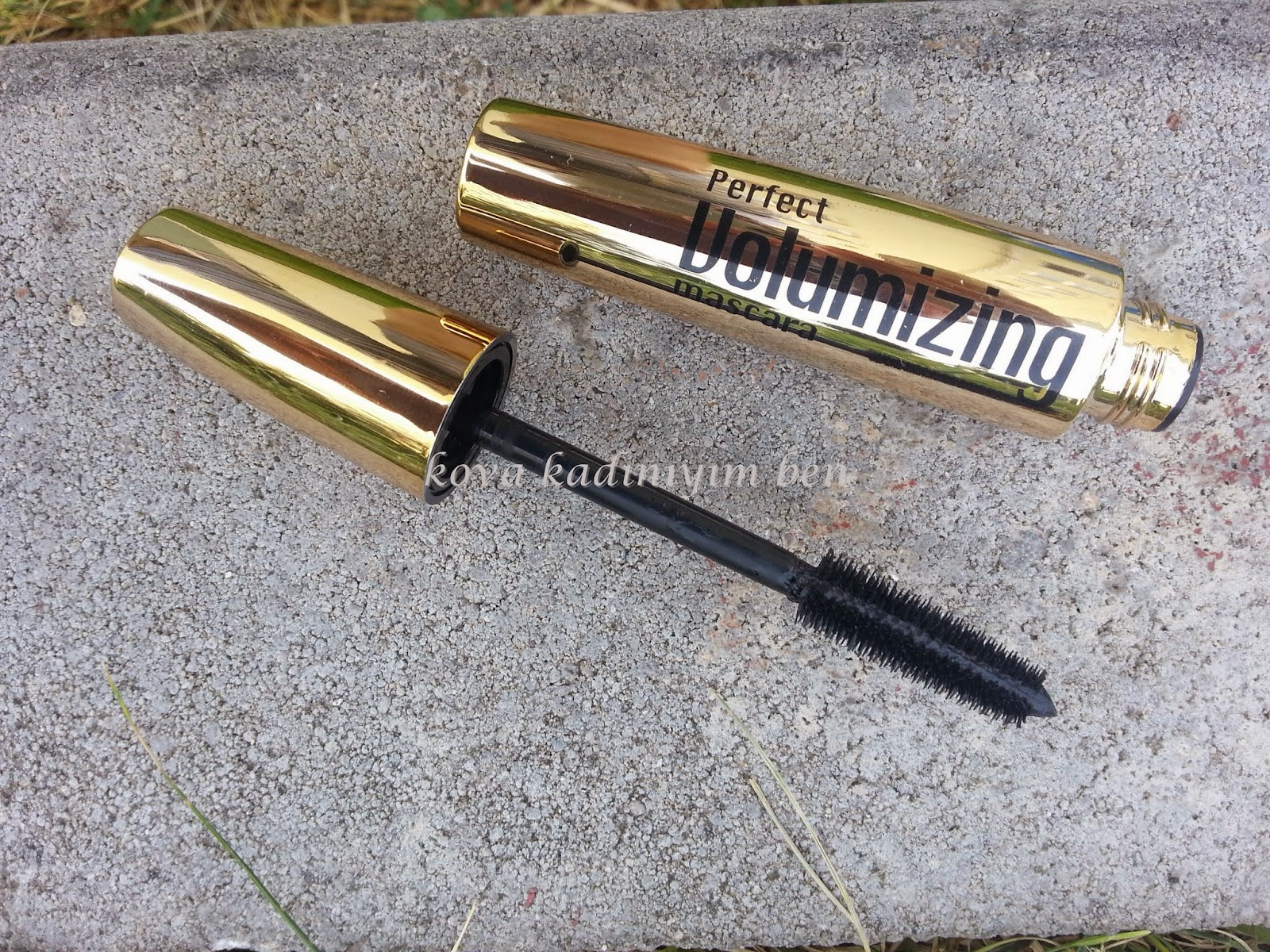 Farmasi Perfect  Volumizing Mascara