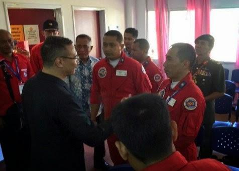 Menhan Ryamizard dan Menhan Malaysia jenguk pilot TNI AU