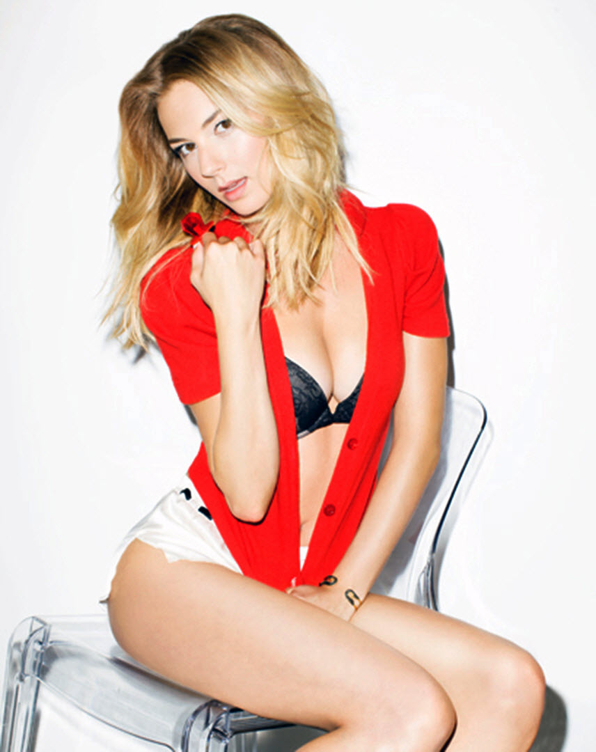 Emily Vancamp Hot Sexy And Spicy Photoshoot For Gq