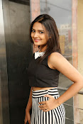 Neha Deshpande Glamorous look-thumbnail-18