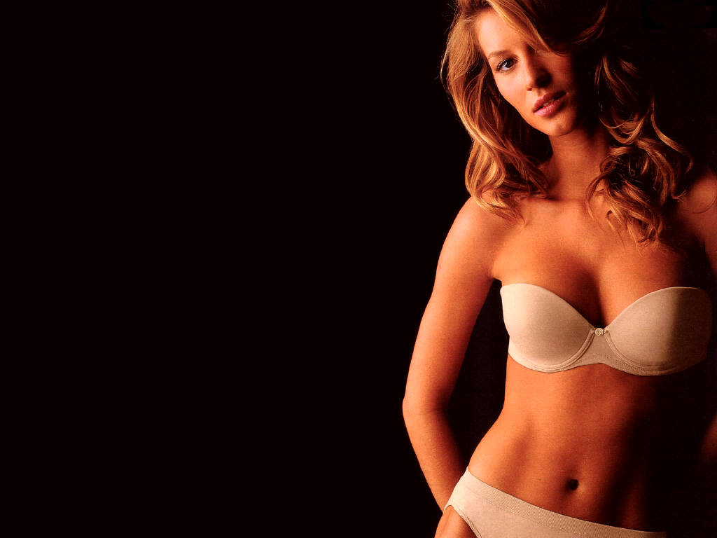 hot gisele bundchen 39 s wallpapers world amazing