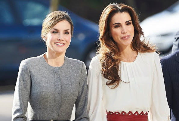 Queen Rania And Queen Letizia Visited A Molecular Biology Centre