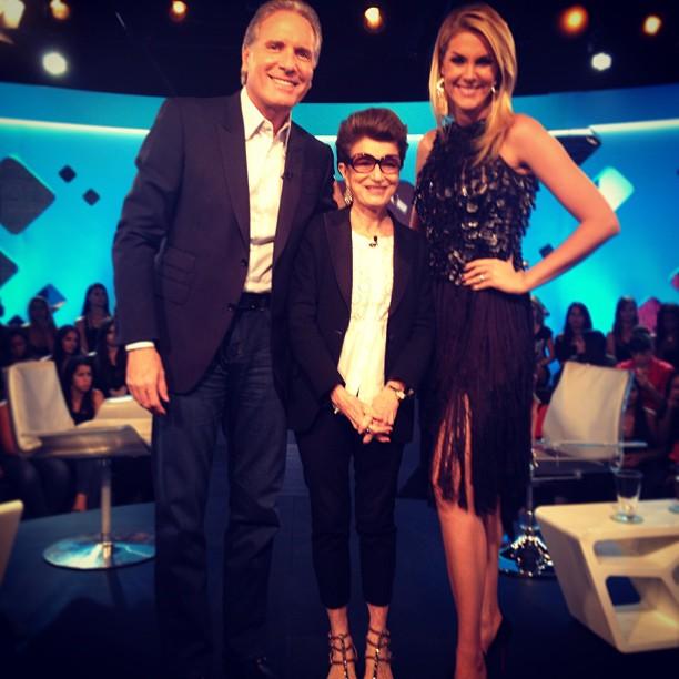 """ca581927efae6 """"O que é moda hoje, amanhã já é brega"""", diz Ana Hickmann no programa  Roberto Justus +"""