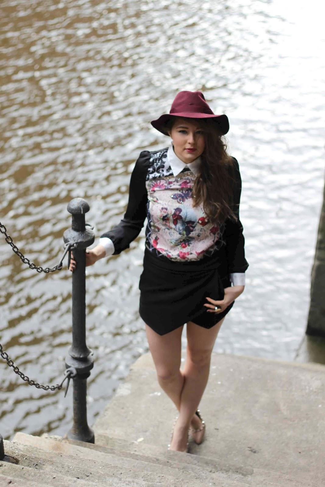 trend 2013, Lilac floppy hat, Hut, black Zara skort, schwarze skorts, Barock shirt, beste deutsche Modeblogger, best german fashion blogger, nude stud steve madden, hamburg, germany, harbor,