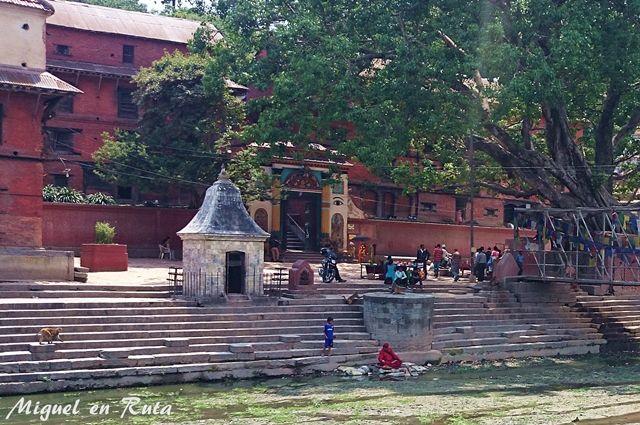 Guhyeshwori-Temple-Katmantu-Nepal-2