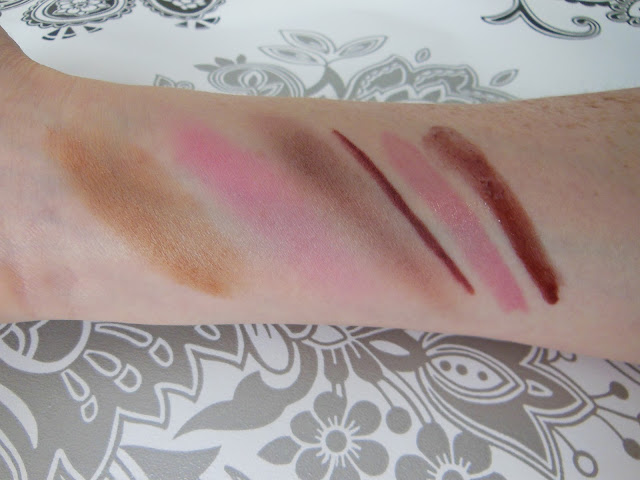 MUD makeup swatches