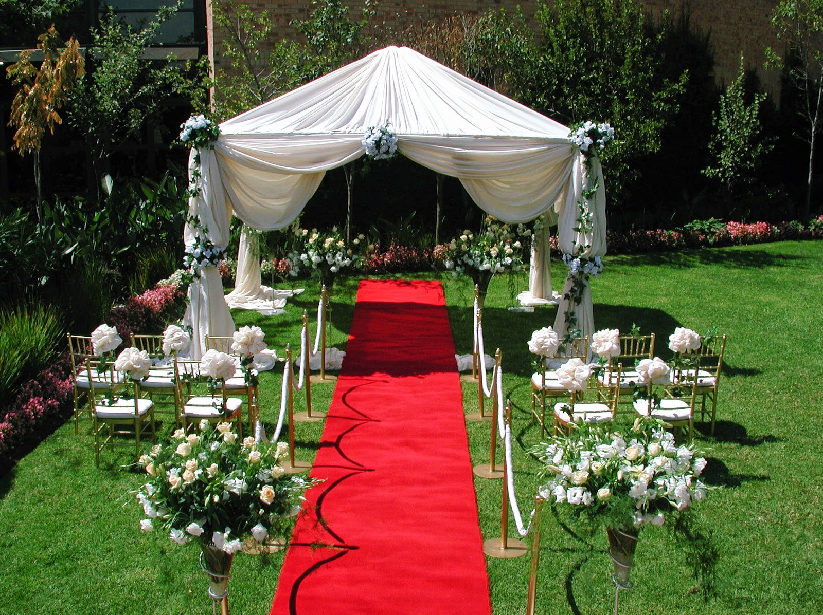 Elegant Backyard Wedding Ideas