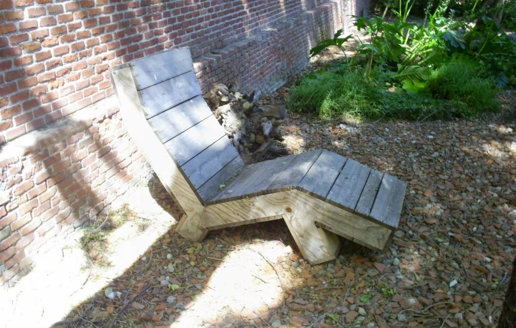 silla hecha con pales