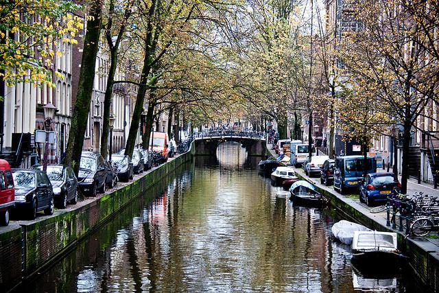 أنشئت قوات أمستردام المائية في القرن السابع عشر