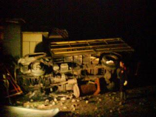 Kantor dan Mobil Camat Lambu Dibakar Massa