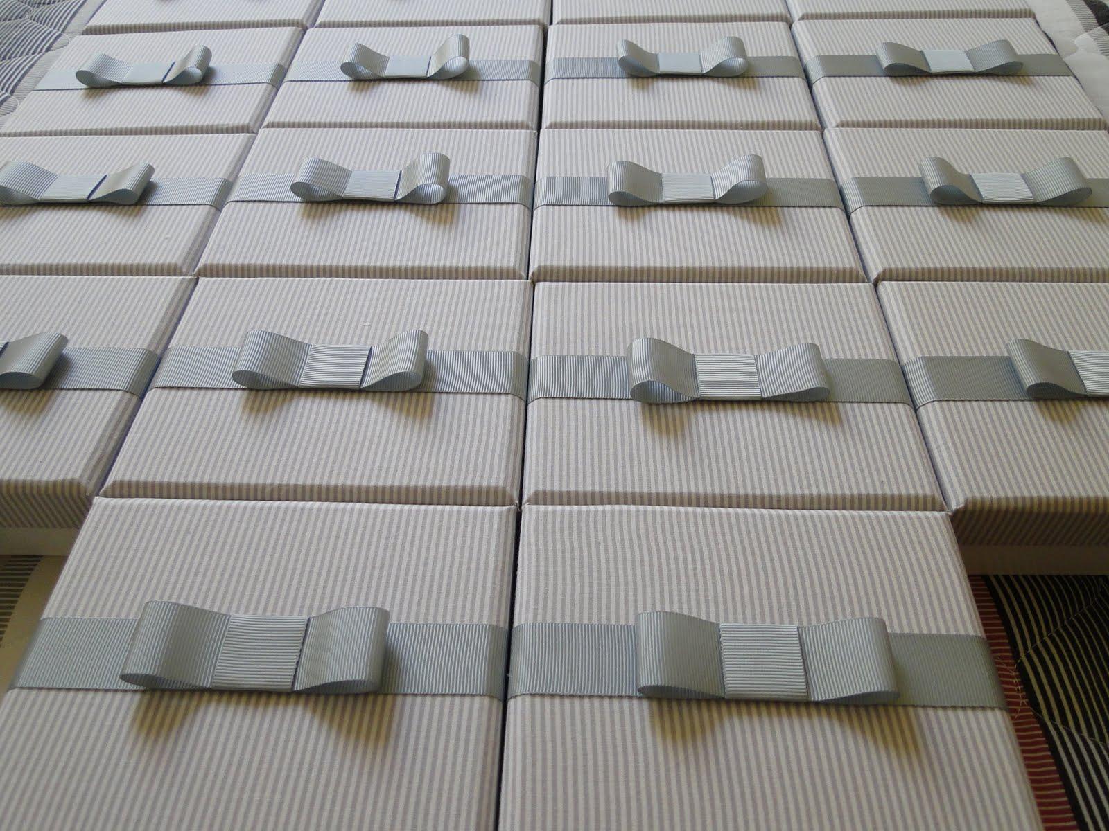 Oficina das caixas festa branco e prata for Oficina de caixa