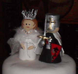Medieval Bride and Groom Wedding Cake Topper
