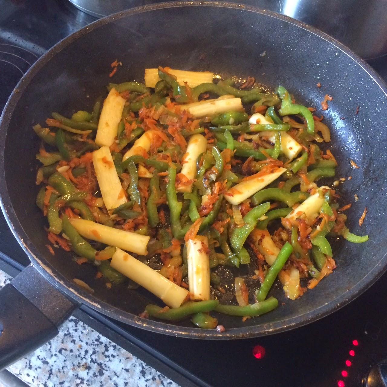 """Cтир-фрай """"Зеленый дракон"""" с говядиной и овощами"""