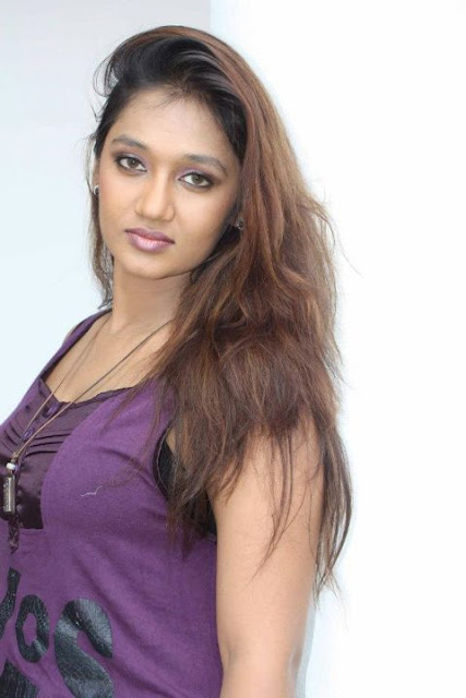 Srilankan Hot Actress Upeksha Swarnamali